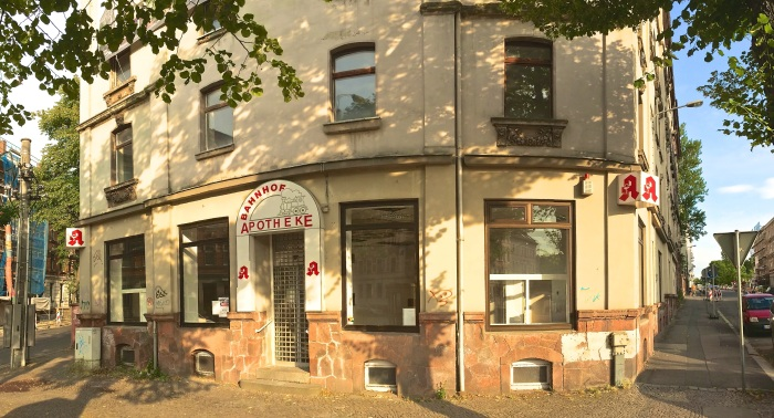 Soll bald saniert werden: Das Eckhaus an der Schönbachstraße/Papiermühlstaße
